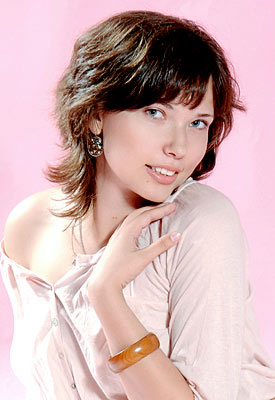 optimistic, serious and affectionate russian woman living in  Dnepropetrovsk