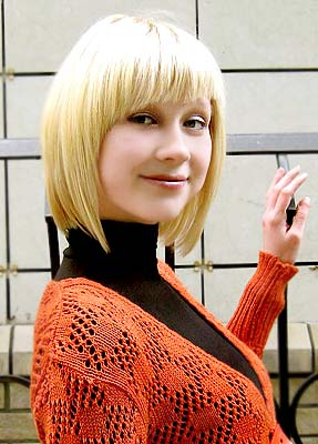 well-educated, goal-seeking and sophisticated lady living in  Gorlovka