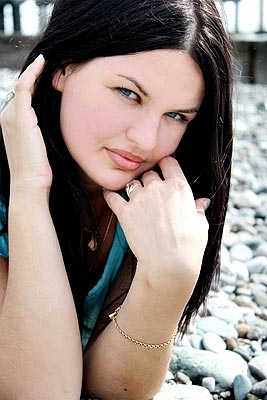 communicative, charming, dreamy and cute Rusian woman from  Yaroslavl