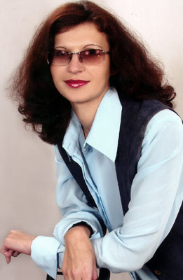 educated, committed and chic woman from  Mariupol
