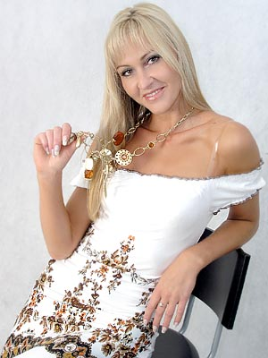 well-educated, goal-seeking and single girl from  Tver