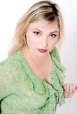 communicative, earnest and cute Ukrainian lady living in  Nikolaev