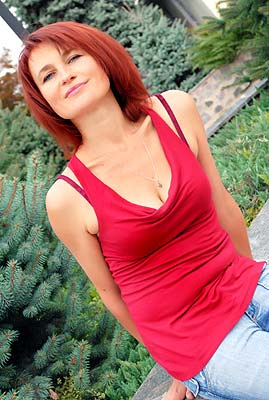 easy-going, dreamy and chic woman living in  Poltava