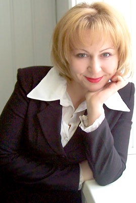 smart, committed and chic Rusian woman from  Penza