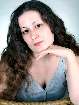 smart, dedicated and Rusian woman living in  Chernovtsy