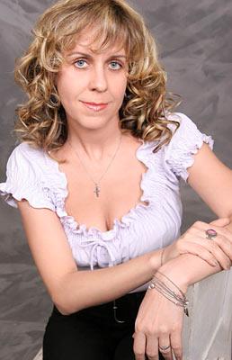 possitive and classy Rusian woman living in  Simferopol