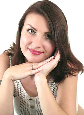 optimistic and single Ukrainian woman from  Kiev