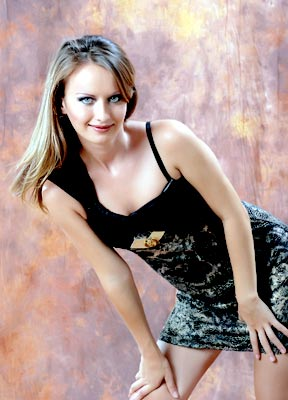 calm and sophisticated woman from  Lugansk