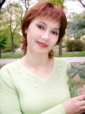smart, single-minded and chic Ucrainian girl living in  Feodosia