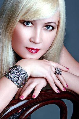 dreamy, cheerful, young and pretty Rusian woman living in  Simferopol