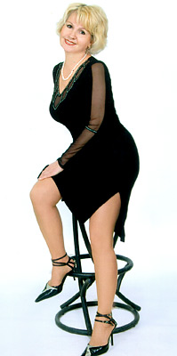 dreamy, possitive and chic lady from  Mariupol