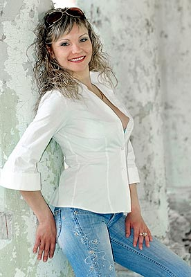 creative, solid, dreamy and sexy Ukrainian girl from  Lugansk