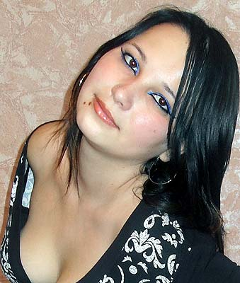 intelligent, firm of purpose and chic Rusian woman living in  Melitopol