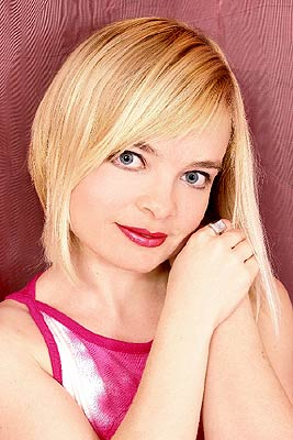 open-minded, smiling and classy russian woman living in  Vinnitsa