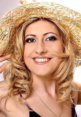 well-educated, dedicated and classy Ucrainian woman from  Chisinau